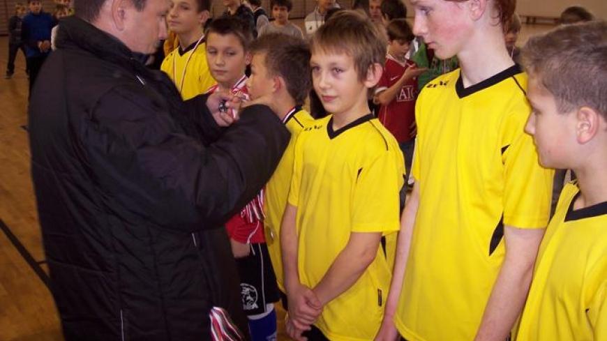 Mistrzostwa Powiatu w Halowej Piłce Nożnej – srebro dla drużyny z Nekli