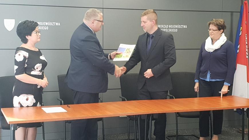 Podpisanie umowy o dofinansowanie Zespołu Pałacowo - Parkowego